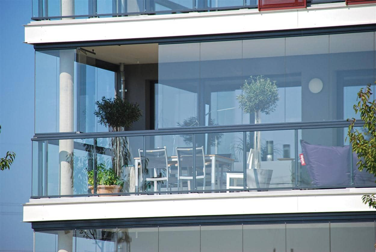 vidro de decoração varanda
